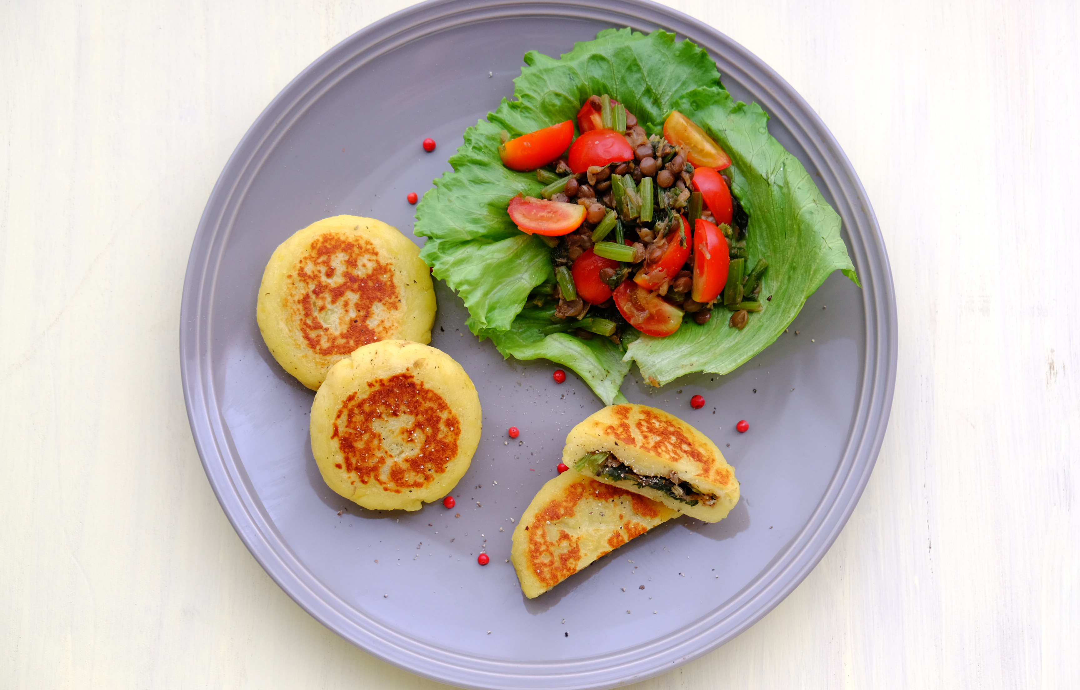 山ほうれん草のお焼き スパイス風味 Vegan Potato Cakes with Stuffed Spiced Vegetables