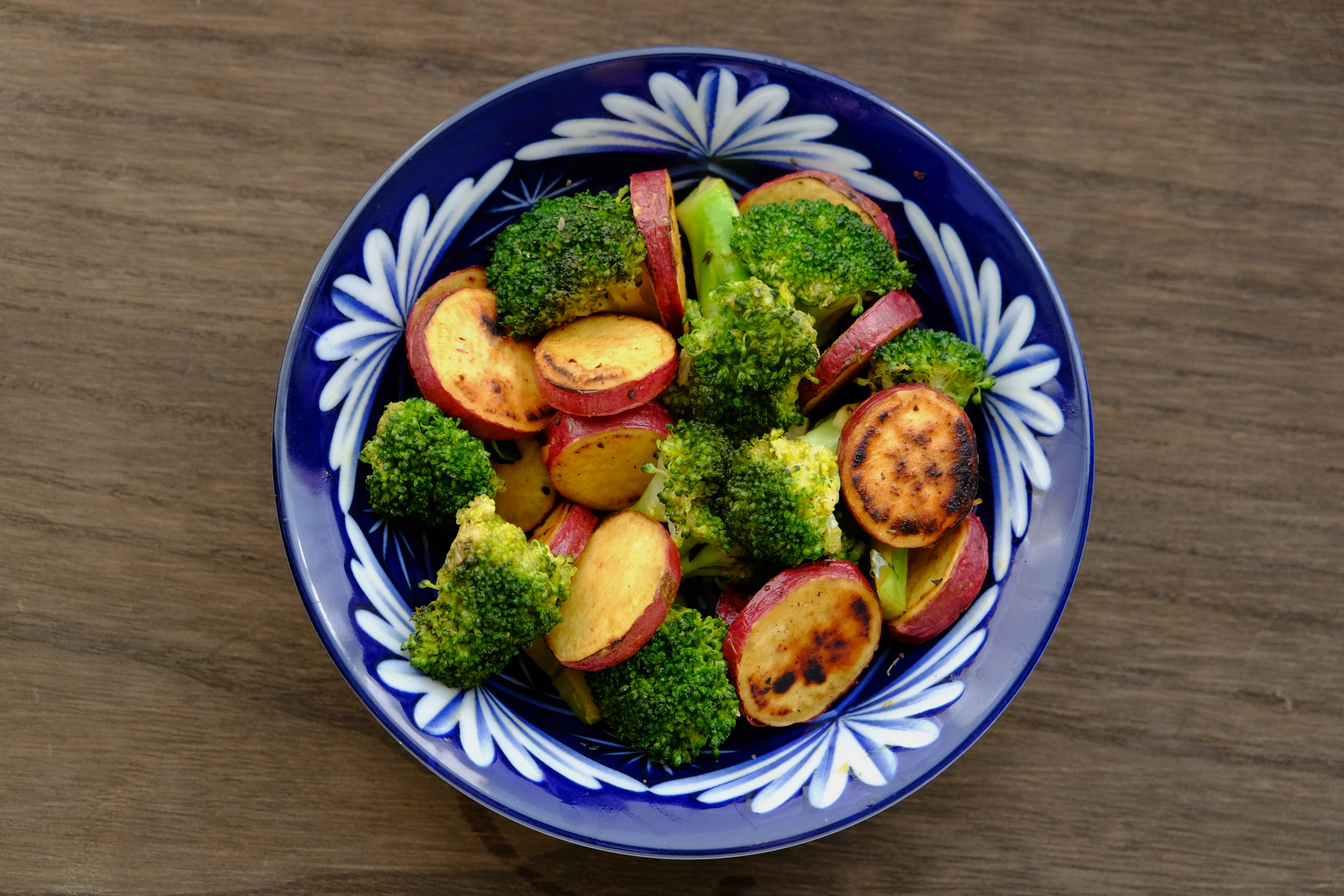 さつまいもとブロッコリーのバルサミコ酢炒め Vegan Stir fried Sweet Potato and Broccoli with Balsamic Vinegar Sauce