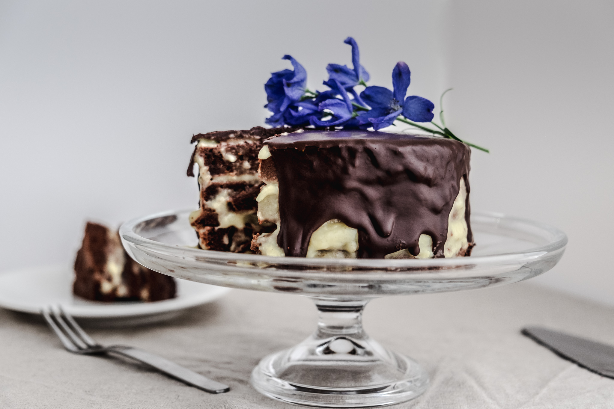 ダークチョコレートと河内晩柑クリームのレイヤーケーキ Vegan and gluten free dark chocolate and kawachi-bankan curd layer cake