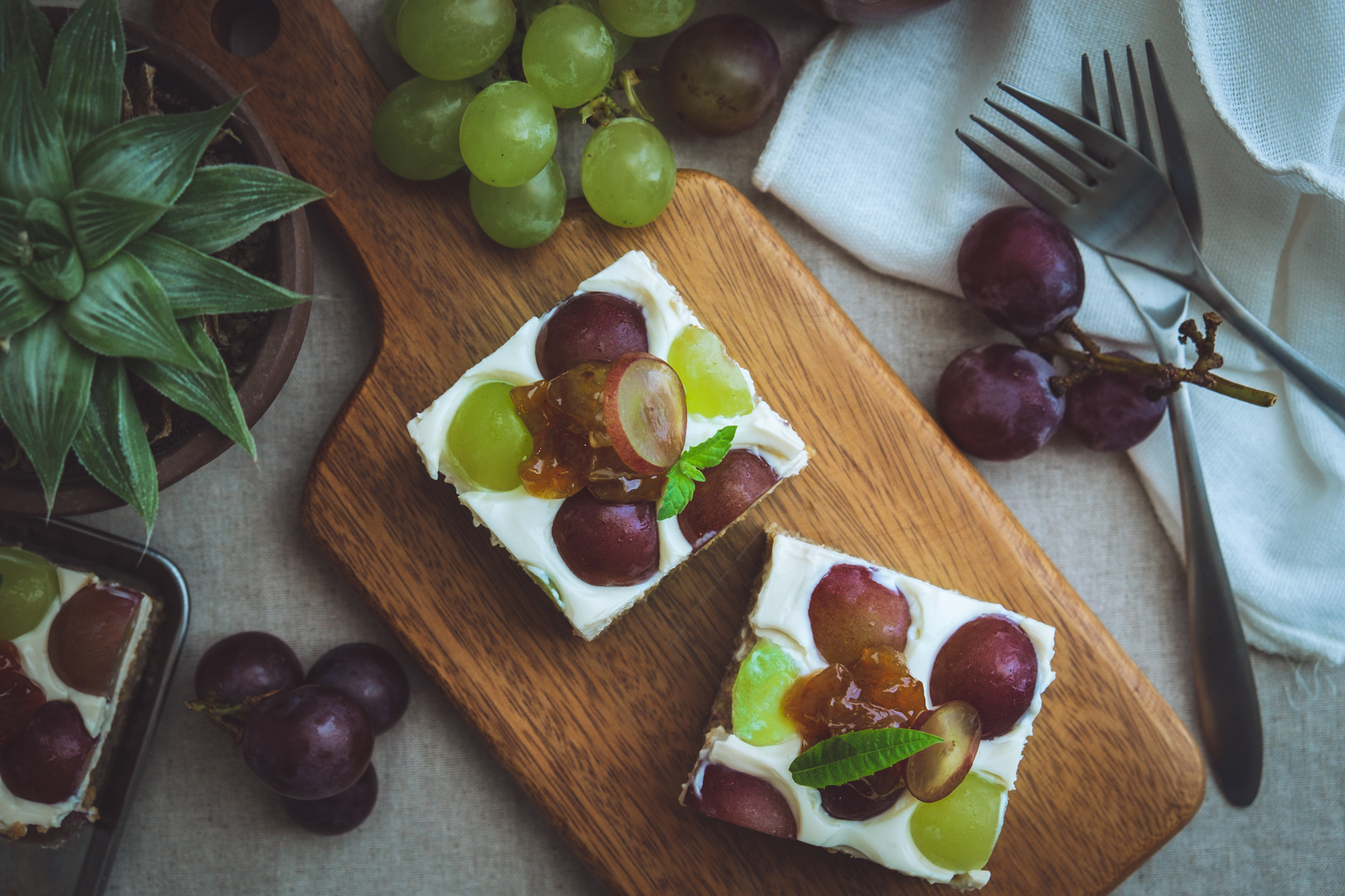 Collaboration with BIO Marche Vol.12 – 有機巨峰とネオマスカットのヨーグルトケーキ Vegan and gluten free Kyoho grapes and Muscat grapes cake with soy yogurt cream