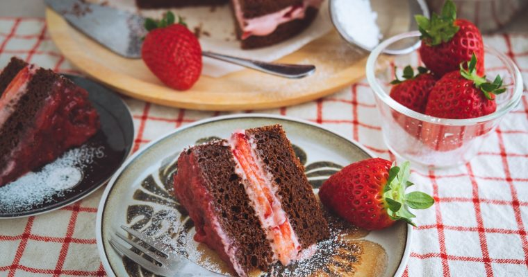 Collaboration with BIO Marche Vol.20 – 有機いちごのチョコレートケーキ Vegan organic strawberry chocolate cake